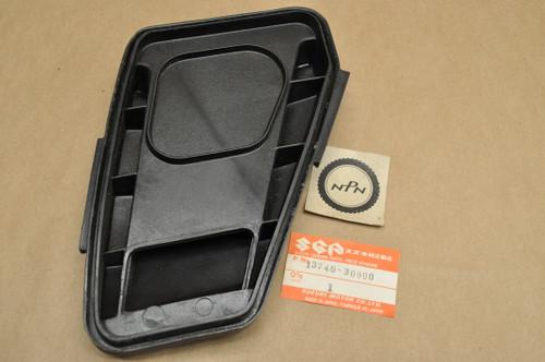 NOS Suzuki 1980 DS250 Air Cleaner Filter Housing Cap 13740-30900