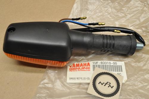 NOS Yamaha FZ600 FZR400 FZX700 TW200 XT225 YX600 Front Turn Signal Blinker 1UF-83310-00