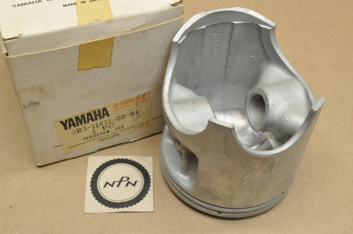 NOS Yamaha 1980 YZ465 Standard Size Piston 3R5-11631-00-94