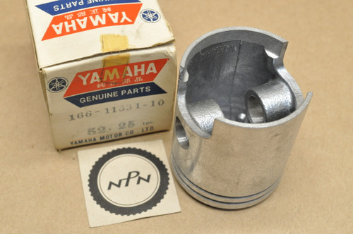 NOS Yamaha 1969-70 L5T 1967-68 YL2 YLCM 0.25 Oversize Piston 52.25 mm 166-11631-10