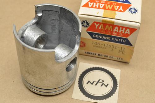 NOS Yamaha 1969-70 L5T 1967-68 YL2 YLCM 0.25 Oversize Piston 52.25 mm 166-11631-11