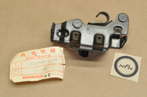 NOS Honda 1985-86 VT500 C Shadow Speedometer Tachometer Mount Bracket 37211-MF5-751