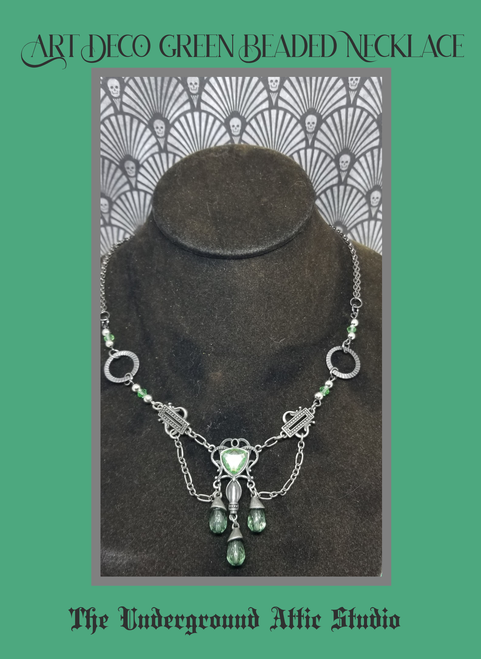 ART DECO GREEN BEAD NECKLACE