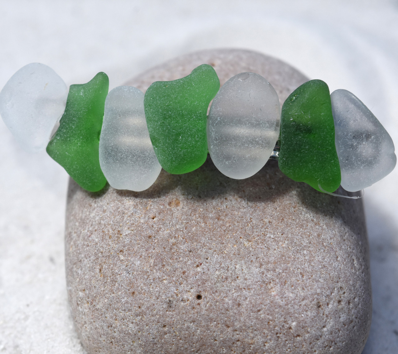 Frosted White and Kelly Green Hair Clip