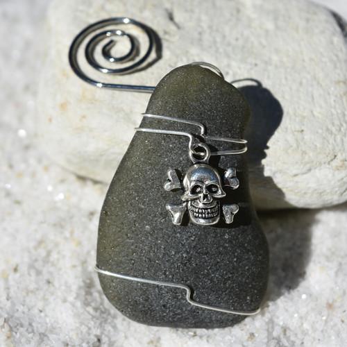 Skull and Crossbones Ornament