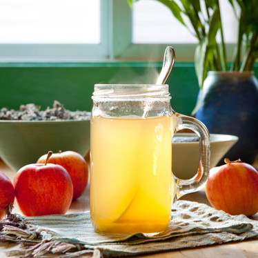 7 Healthy Reasons To Use Apple Cider Vinegar in 2021