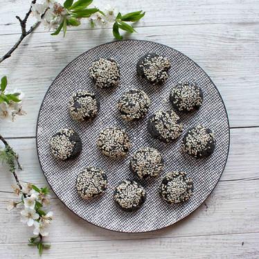 Keto Black Sesame Cookies