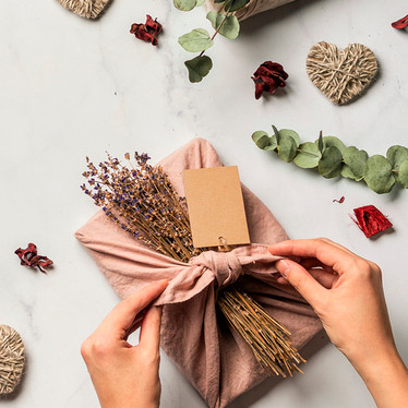 How To Celebrate A Plastic-free Christmas