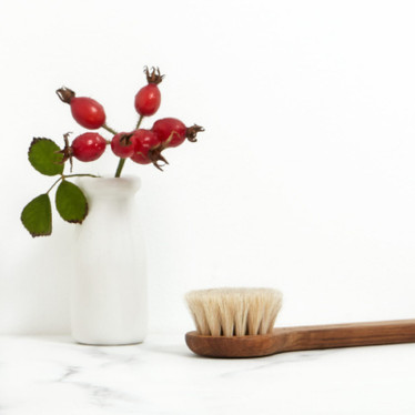 5 Reasons Why Rosehip Oil Should Be Part Of Your Winter Skincare Routine