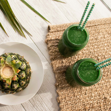 Tropical Green Smoothie with Spirulina