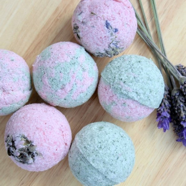 DIY Natural Bath Bombs