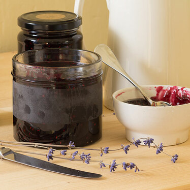 Recipe: Healthy Chia Seed & Berry Jam