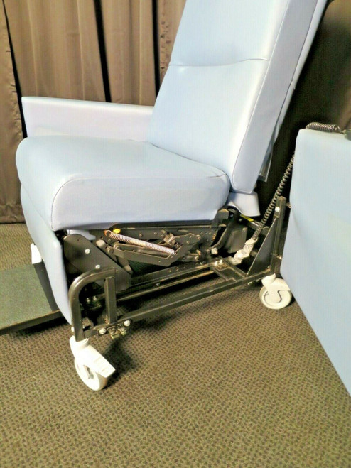 Transfer Treatment Power Recliner with Swing Away Arms