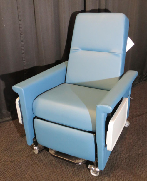 Patient Transfer Bariatric Power Recliner with Swing Away Arms Champion 86P