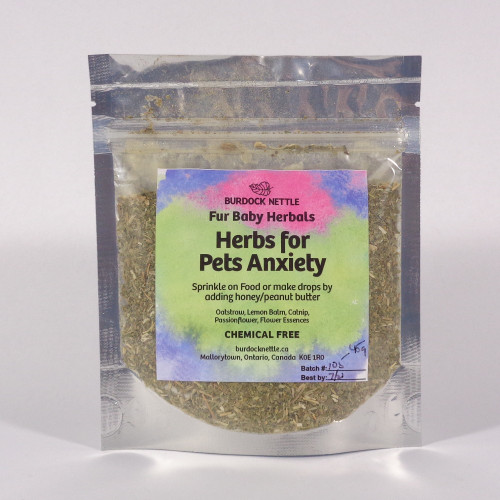 45-gram package of all-natural herbal mix to sprinkle on dog's food or put in dog treats