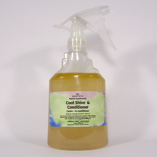520-gram spray bottle of all-natural coat shine and conditioner for horses