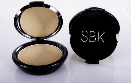 foundation and powder all in one medium to full coverage use as a foundation with brush or sponge  use for touch ups will not settle into fine lines use on top of any liquid or cream foundation  to set or add coverage use dampened sponge for full coverage foundation (for oily skins)
