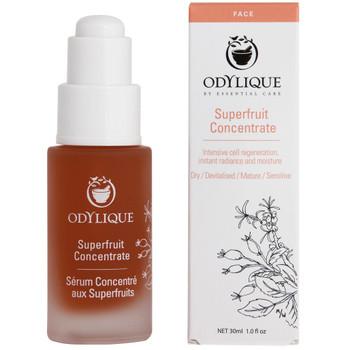 Odylique Superfruit Concentrate inneholder en synergi av fem omegaoljer, antioksidanter og naturens fytosteroler som jobber for å booste fuktigheten, fornye cellene og stimulere kollagenproduksjonen for å etterlate huden umiddelbart glødende og mer spenstig. Disse kraftfulle ingrediensene motvirker hudens aldring og passer for normal, tørr og moden hud.