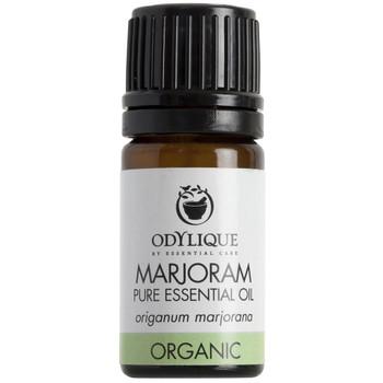 Odylique essensiell olje Merian, søt merian (marjoram) fungerer avslappende og er super i en blanding for f.eks sinnet, muskler eller for luftveiene. Anbefales ikke under svangerskap uten kvalifisert tilsyn. Sertifisert økologisk av Soil Association.