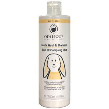 Odylique Baby Gentle Wash & Shampoo en mild, fuktighetsgivende såpe med beroligende aloevera, kamomille og extra virgin olivenolje for å beholde den naturlige fuktighetsbalansen i babyens ømfintlige hud. Kan brukes både i håret og til kroppen. Egner seg fint for atopisk hud. Sertifisert økologisk av Soil Association og har bare naturlige ingredienser. Vegan. Innpakningen er resirkulerbar