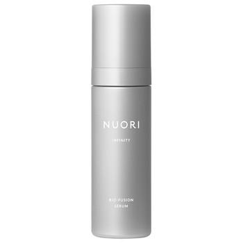 NUORI Infinity Bio-Fusion Serum er et hyperpotent, naturlig serum med bakuchiol, hyaluronsyre, ceramider og vitamin C som sammen bekjemper hudens aldringstegn.