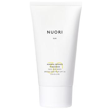 NUORI Mineral Defence Sunscreen Face & Body SPF30 er en naturlig, trygg solkrem til ansikt og kroppen. Fysisk UV-filter. Reef Friendly.