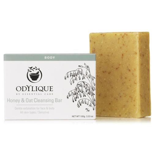Odylique Honey & Oatmeal Cleansing Bar er et økologisk såpestykke som fungerer som både ansiktsskrubb og håndsåpe på en gang.