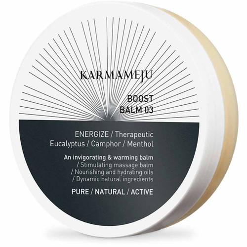 Karmameju BOOST Balm er en plantebasert balm stimulerer og vramer ømme muskler, lindrer og renser ved forkjølelse. Plantebasert.