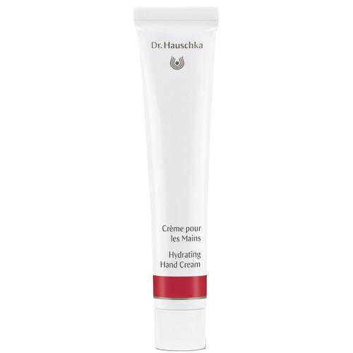 Dr. Hauschka Hydrating Hand Cream trekker raskt inn og skjemmer bort og pleier hendene hver dag.