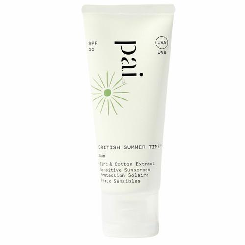 Sertifisert naturlig solkrem for ansikt fra ekspertene på sensitiv hud, Pai Skincare.Som en drøm som går i oppfyllelse jobber det naturlige, fysiske UV-filteret sinkoksid mot UVA og UVB, mens bomullsekstrakt samtidig jobber med å reparere huden for skader den har fått fra nettopp UVB, UVA, infrarødt og synlig stråling. Lett å påføre. Klisser ikke. Egnet for sensitiv hud.