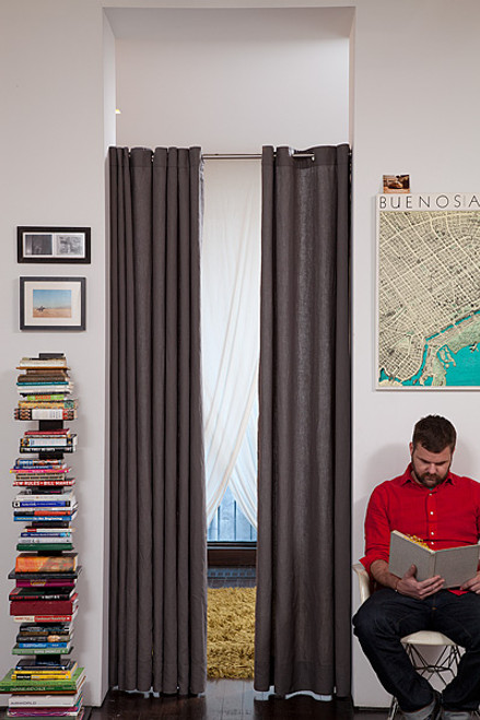 Linoto linen curtains with grommets in graphite gray