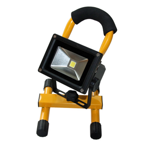 Front view of i-Zoom Beam Flood Light with Tilting Head and Foam Padded Handle