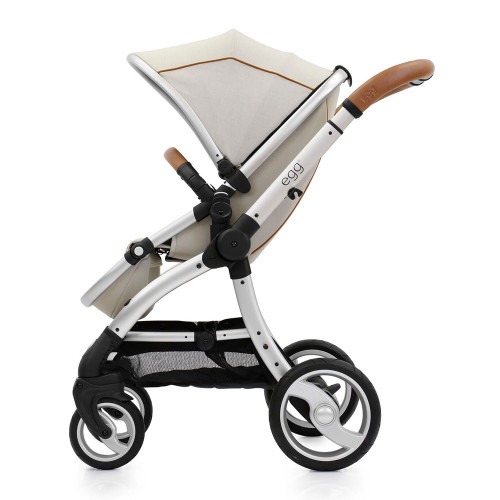 The egg Stroller - Prosecco White with Mirror Chassis