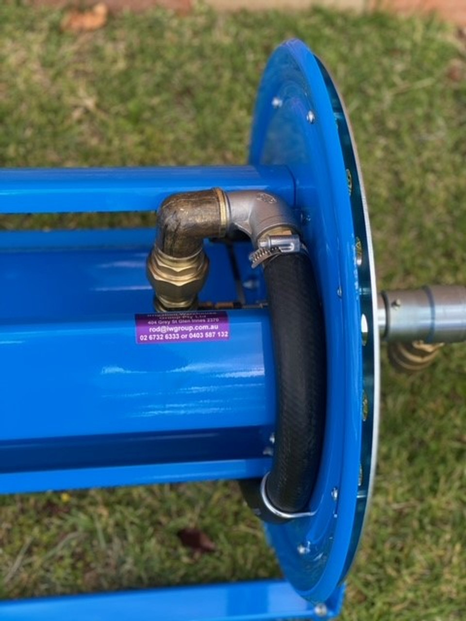 """Water fitting assembly view of 20-30m 1"""" hose reel."""