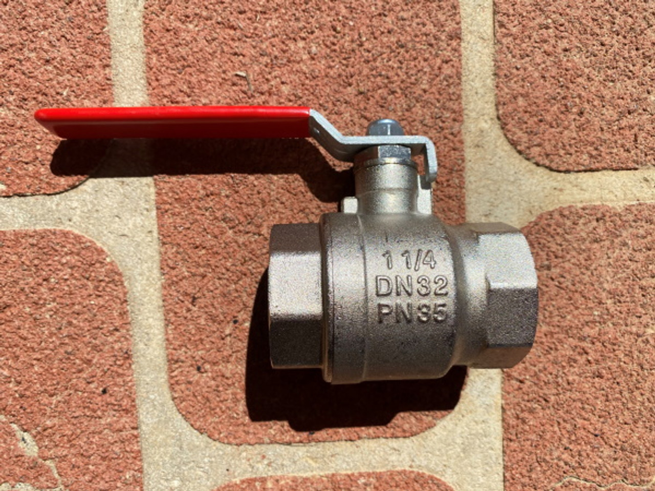 """15mm Brass """"Anti-Frost"""" Ball Valve with lever action and female BSP threads"""