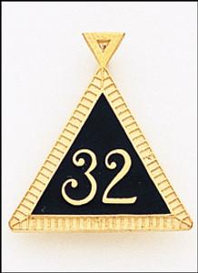 32ND PENDANT 1  GOLD