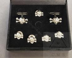 Skull & Crossed Bones  Cuff Links and  5 Shirt Stud set  Gold