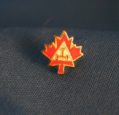 Canadian Royal Arch Lapel
