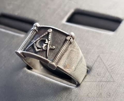 Masonic Silver Pillar Ring        Antique Finish