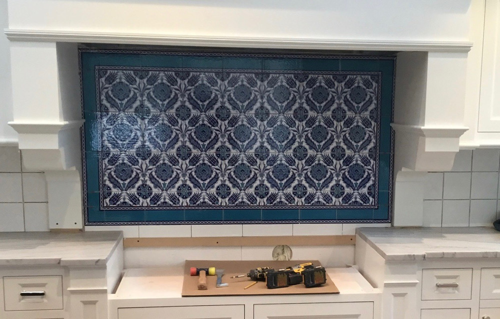 Blue Dream Floral Wall Tiles with 60-Border Kitchen - Winchester, MA USA