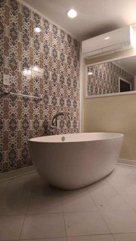 Bathroom Wall - Springfield, Virginia USA