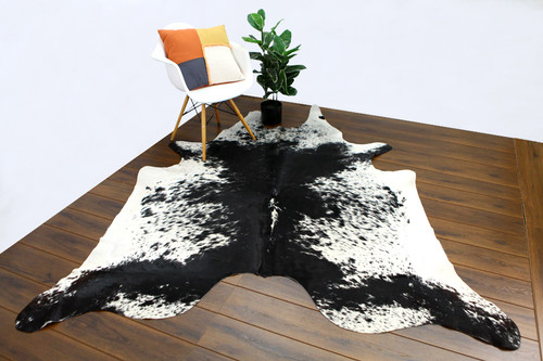 COWHIDE NATURAL BLACK & WHITE 01