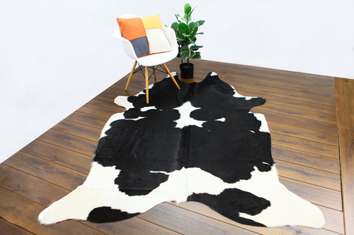 COWHIDE NATURAL BLACK & WHITE 06