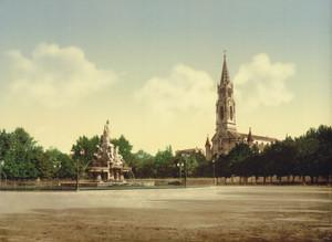 Art Prints of The Esplanade, Nimes, France (387399)