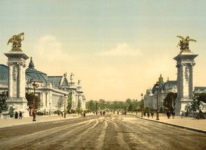 Art Prints of Avenue Nicholas II from the Two Palaces, Paris, France (387462)