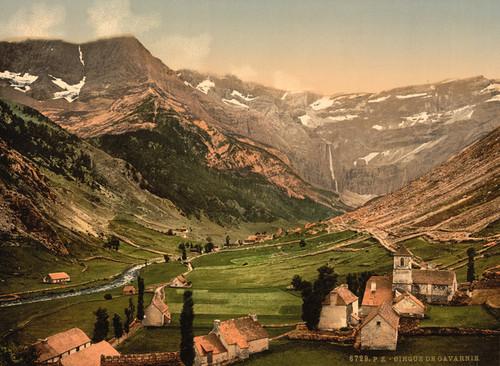 Art Prints of La Cirque, Gavarnie, Pyrenees, France (387585)