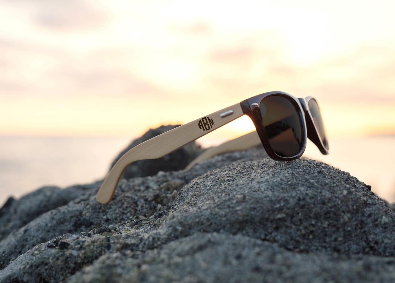 Personalized Bamboo Sunglasses - Circle Monogram