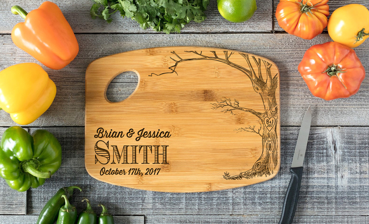 Grpn Spain - Handle Love Tree w/Names Personalized Cutting Board