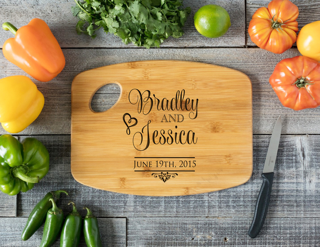 Grpn Spain - Handle Stacked Names Personalized Cutting Board