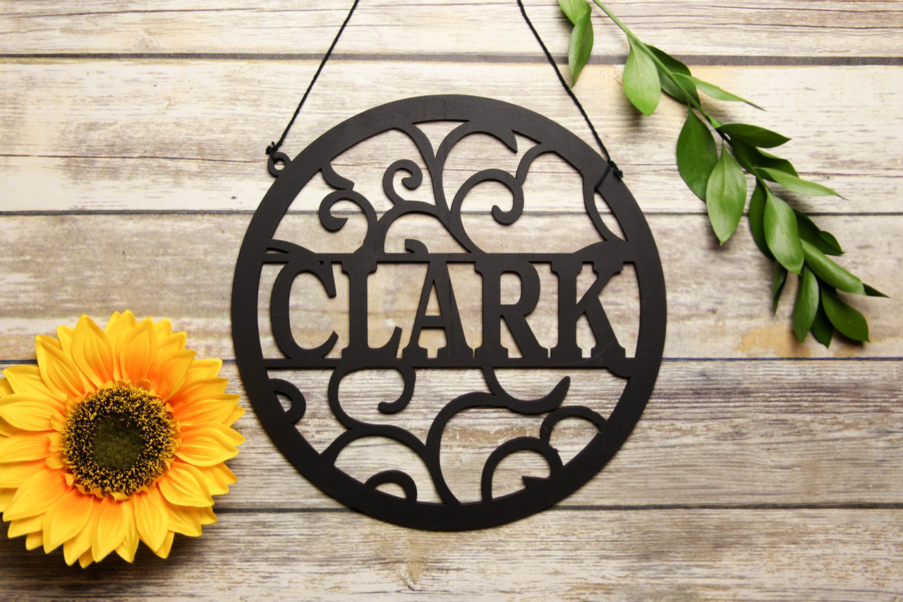 Family Sign - Circle Vines Last Name Personalized Sign
